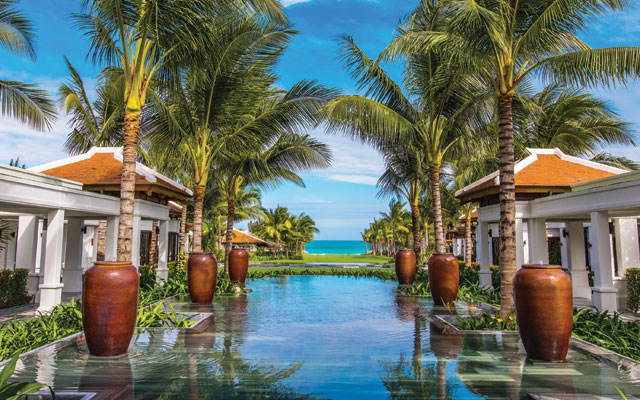 Cam Ranh Bay unveils luxurious new gem