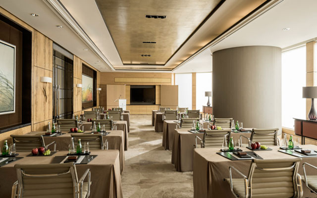 Reach new meeting heights with Four Seasons Hotel Hong Kong