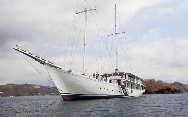 Sail away to Komodo in style