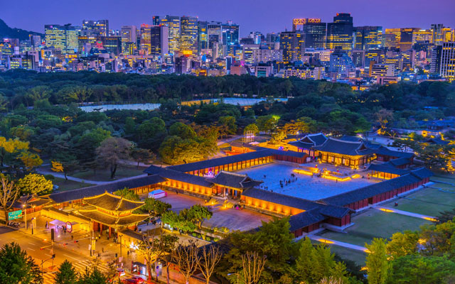 Seoul's Changgyeonggung Palace starts evening admission